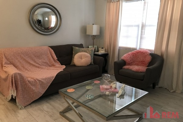 Town and Country, West Bay for rent, West Bay Property