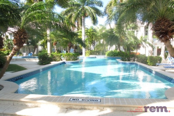 Britannia - Kings Court, Seven Mile Corridor for rent, Seven Mile Beach Property