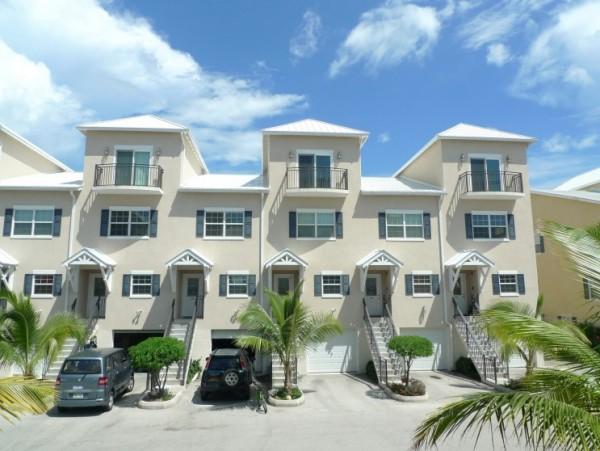 Villa Royal - Studio Apartment for rent, West Bay Property