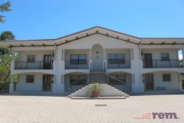 Villa Serena, Palm Heights Drive, Snug Harbour for rent, Seven Mile Beach Property