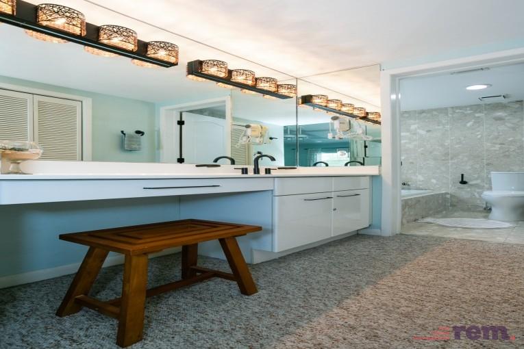 Britannia Phase II,  2 Bed / 3 Bath, Seven Mile Beach - Image 10